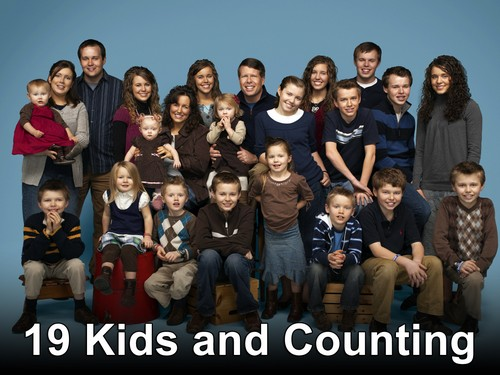 "19 Kids and Counting RECAP 4/22/14: Season 8 Episode 4 ""Graduation & a Surprise"""