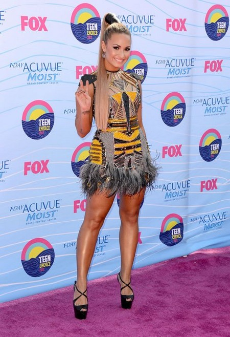 2012 Teen Choice Awards - Red Carpet Arrivals! (Photos)