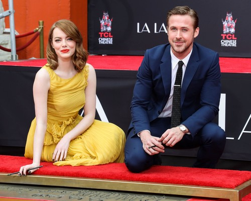 emma stone dating ~ is emma stone dating jake gyllenhaal or andrew garfield