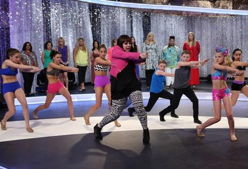 """Abby's Ultimate Dance Competition RECAP 11/12/13: Season 2 Episode 11 """"Down the Rabbit Hole"""""""