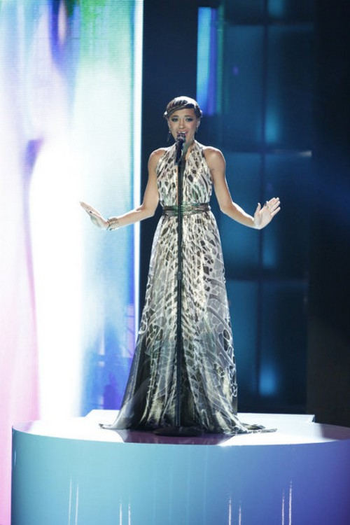 "Amanda Brown The Voice Top 10 ""Stars"" Video 11/19/12"