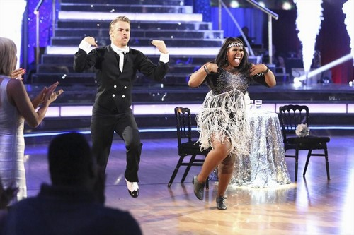Amber Riley Dancing With the Stars Samba-Quickstep Fusion Video 11/26/13 #DWTS