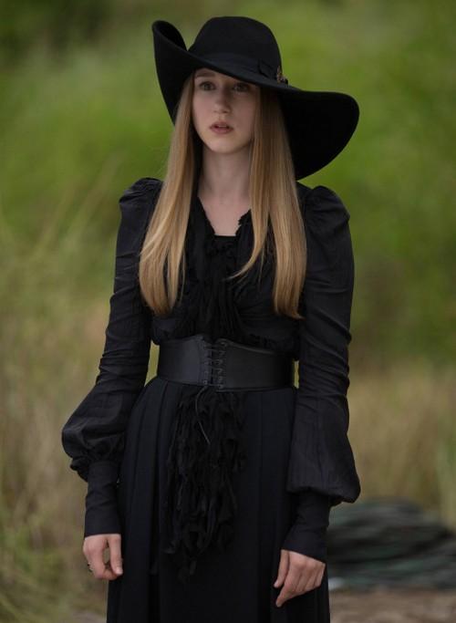 "American Horror Story RECAP 11/6/13: Season 3 Episode 5 ""Burn, Witch. Burn!"""