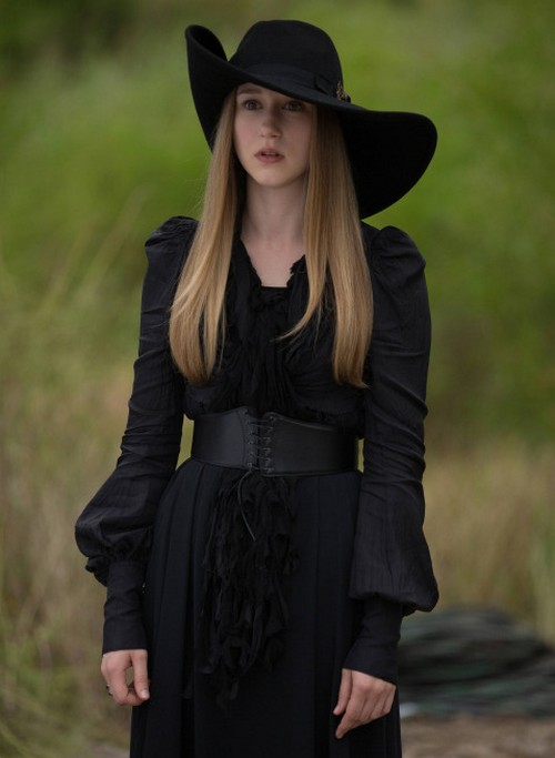"American Horror Story RECAP 11/6/13: Season 3 Episode 5 ""Burn, Witch. Burn!"""