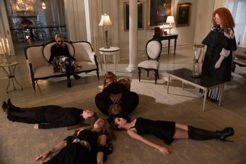 "American Horror Story RECAP 1/29/14: Season 3 Finale ""The Seven Wonders"""