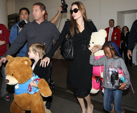Angelina Jolie Stuggles To Overcome Anorexia