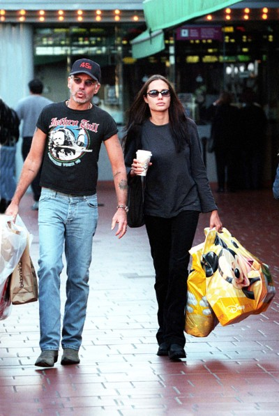 Angelina Jolie Invites Exes To Brad Pitt Wedding, Bad Omen For Brad? 0822