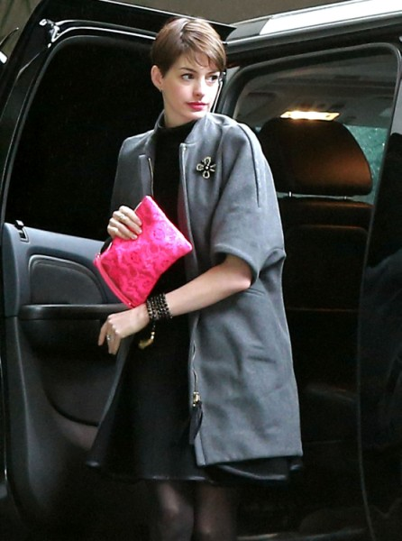Anne Hathaway Worried Crotch Shot And Katie Holmes Diss Will Cost Her Oscar? 1217