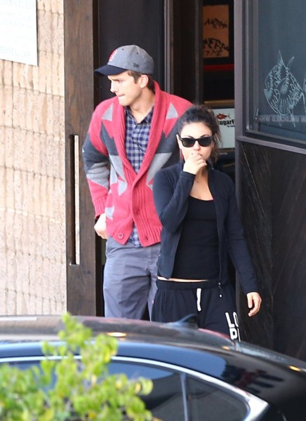 Ashton Kutcher And Demi Moore Still Working Together - WHY? (Photos) 1116