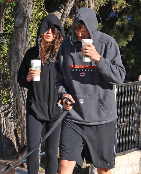 Ashton Kutcher Supporting Pathetic Lindsay Lohan, Mila Kunis Freaks Out! 0217