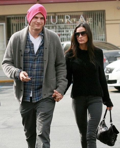 Ashton Kutcher Files For Divorce From Demi Moore! Finally! 1221