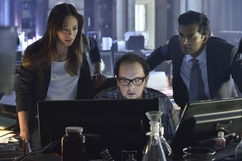 "Beauty and The Beast RECAP 10/7/13: Season 2 Premiere ""Who Am I?"""