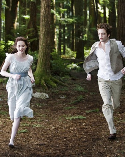 First Look At Kirsten Stewart's First Hunt As A Vampire in Breaking Dawn?