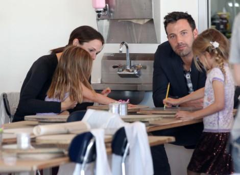 Is Ben Affleck Only With Jennifer Garner Because Of Jennifer Lopez And Oscar? 1105