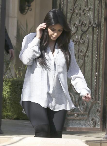 Kim Kardashian Worried She's Going To Gain More Pregnancy Weight Than Beyonce 0218