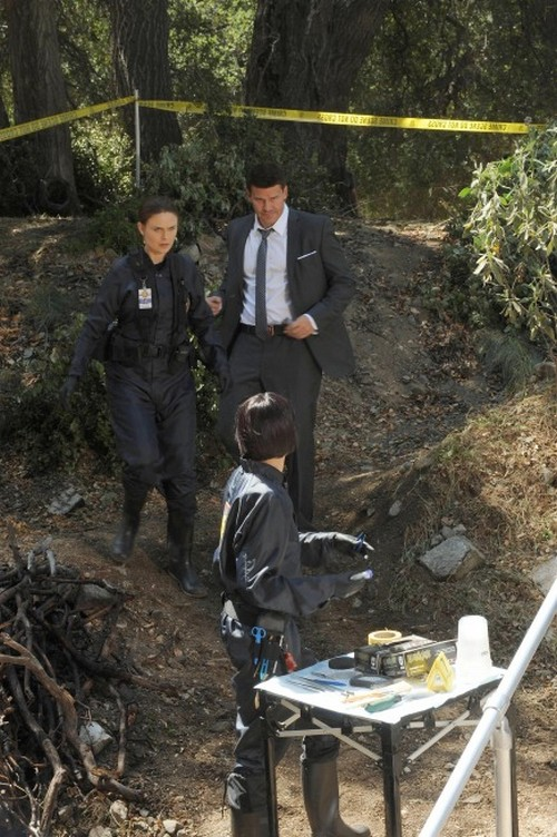 "Bones RECAP 11/11/13: Season 9 Episode 8 ""The Dude in the Dam"""