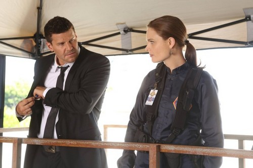 "Bones RECAP 9/16/13: Season 9 Premiere ""The Secrets in the Proposal"""