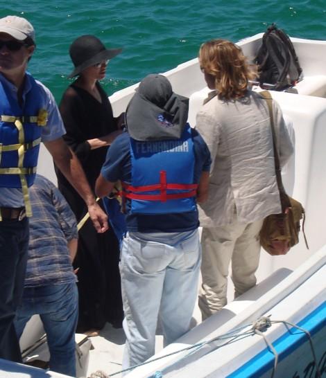 Brad Pitt Angelina Jolie Vacation In Caribbean With Kids