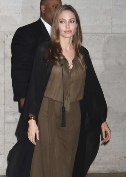 Angelina Jolie Has Double Mastectomy After Learning Of Breast Cancer Risk 0514