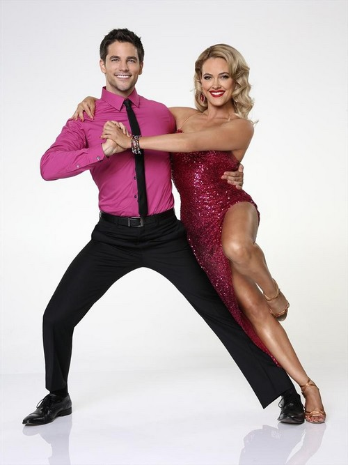 Dancing With The Stars Peta Murgatroyd And Brant Daugherty Dating - Spotted Kissing as New Showmance Emerges? (VIDEO)