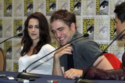 Robert Pattinson: Breaking Dawn Birth Scene Is Graphic