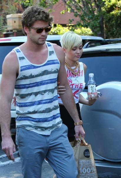 Is Nick Jonas Breaking Up Miley Cyrus And Liam Hemsworth? 1012