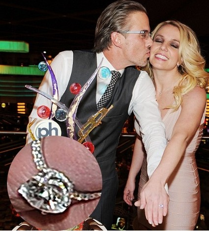 Britney Spears Shows Off Her Engagement Ring (Photo)