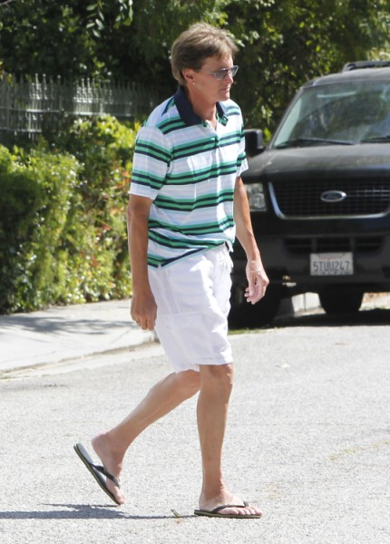 Bruce Jenner And Kris Jenner Divorce Only A Matter Of Time, Couple At War! 1212