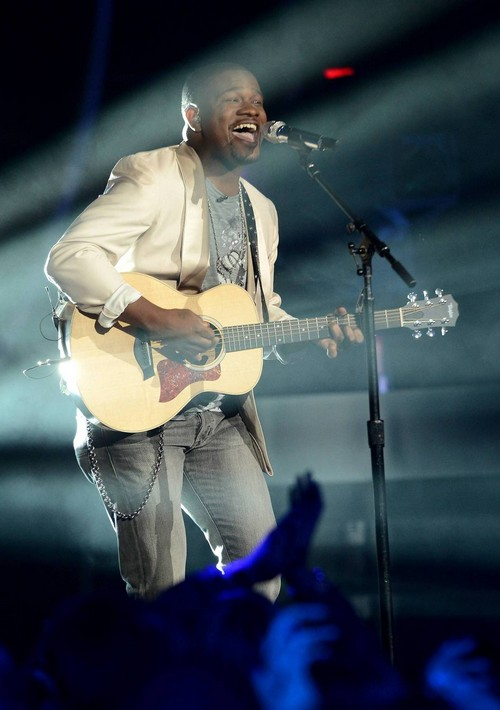 "C.J. Harris American Idol ""Free Fallin"" Video 4/9/14 #IdolTop8"