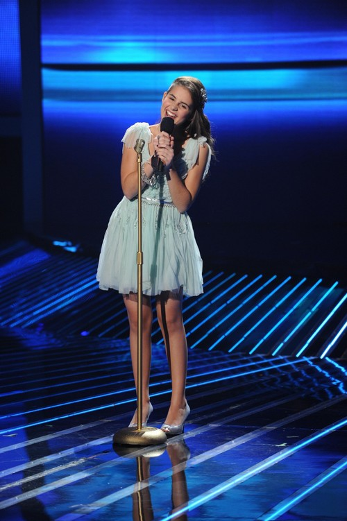 """Carly Rose Sonenclar Sings """"All I Want For Christmas Is You"""" The X Factor Finale 12/20/12 (Video)"""