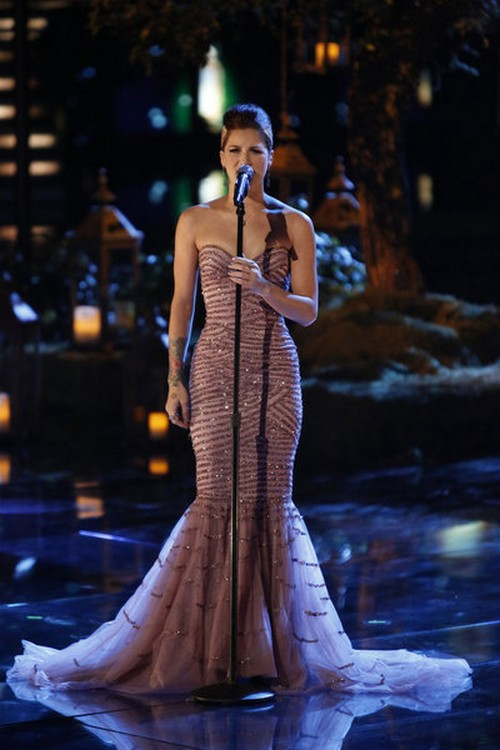 """Cassadee Pope & Avril Lavigne Sing """"I'm With You"""" The Voice 12/18/12 (VIdeo)"""