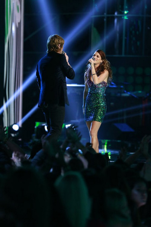 "Terry McDermott, Cassadee Pope & Kelly Clarkson Sing ""Catch My Breath"" The Voice 12/18/12 (Video)"