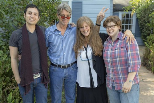 Celebrity Wife Swap LIVE RECAP 4/22/14: Robin Leach and Eric Roberts Swap Lives