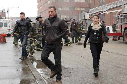 "Chicago PD RECAP 4/30/14: Season 1 Episode 12 ""8:30PM"""