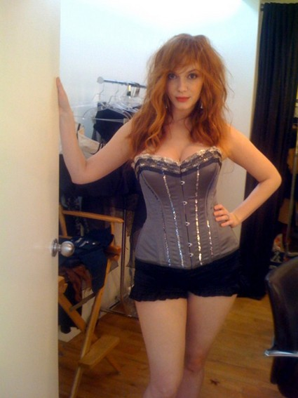 Christina Hendricks Bare Breast Photos Phone Hack Are Fake (Photo)