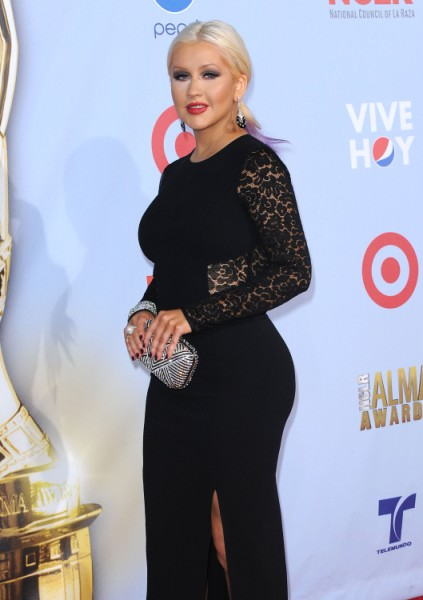 Not Lying Like Jessica Simpson, Christina Aguilera Is Fat And Proud 1001