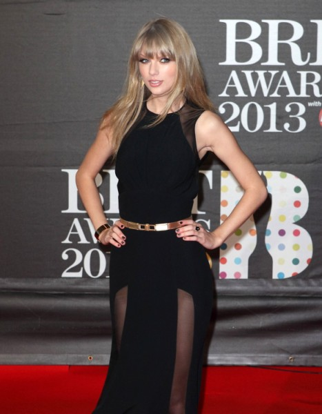 Taylor Swift Lied About Buying Home Next To Conor Kennedy's? 0306