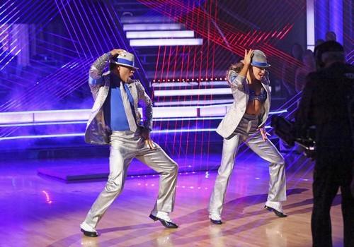 Corbin Bleu Dancing With the Stars Cha-Cha Foxtrot Fusion Video 11/26/13 #DWTS
