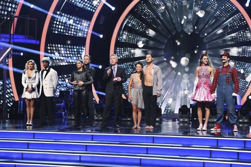 Dancing With the Stars Recap: Alfonso Ribeiro Wins Grand Finale Season 19 Week 11 Mirror Ball Trophy