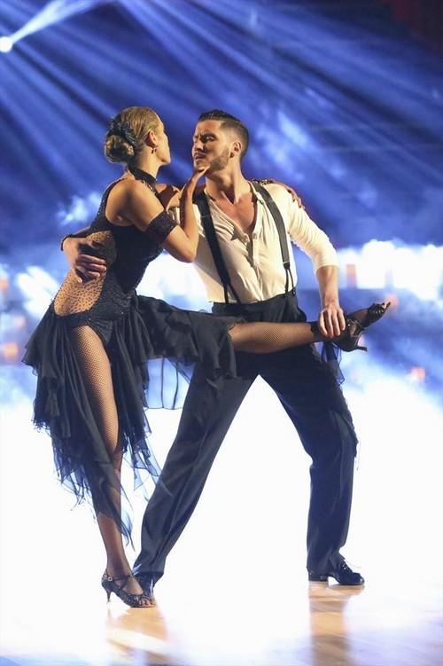 Elizabeth Berkley Dancing With the Stars Jive Video 10/14/13