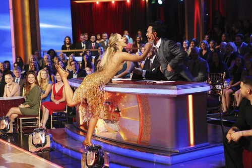 Elizabeth Berkley Dancing With the Stars Quickstep Video 10/28/13
