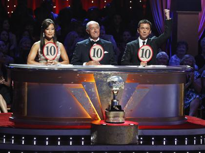 Who Got Voted Off Dancing With The Stars 11/01/11?