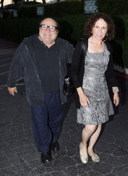 Danny DeVito Begs Rhea Perlman To Take Him Back! 1202