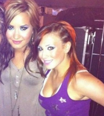 Demi Lovato Has Settled With The Girl She Punched
