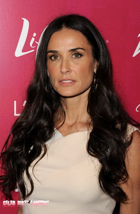 Demi Moore To Out Ashton Kutcher In Tell All Book