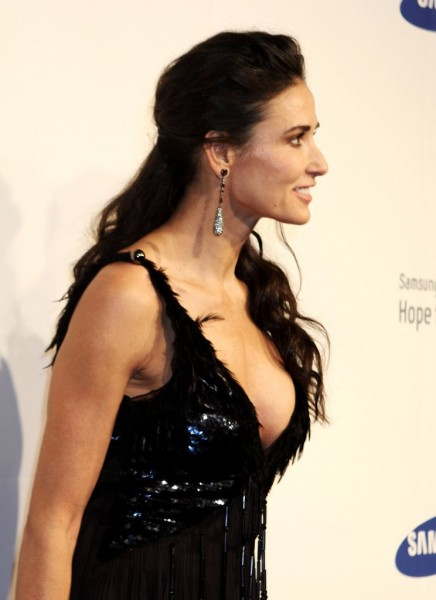 Demi Moore Drunk And Acting Immature, Is New Boy Toy To Blame? 1208