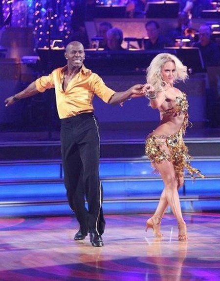 Donald Driver Dancing With The Stars Foxtrot Performance Video 4/23/12