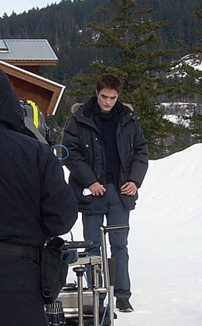 Twilight's Robert Pattinson In The Snow On The Set In Vancouver