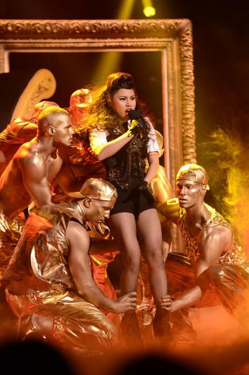 """Ellona Santiago The X Factor """"If I Were A Boy"""" Video 12/4/13 #TheXFactorUSA"""