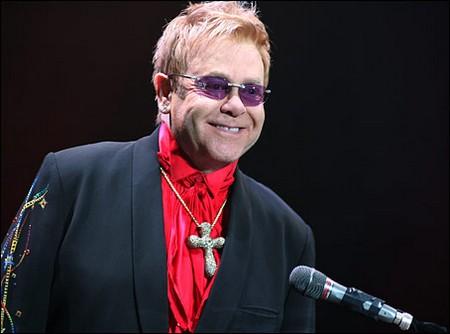 Cruel Elton John Forgets The Boy Who 'Stole His Heart'